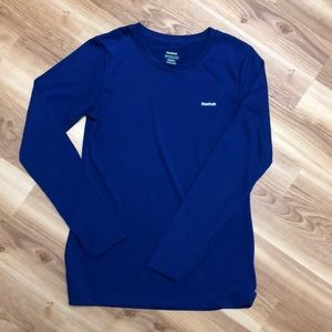 New WOT Reebok small long sleeved shirt